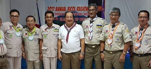 BSP Secretary General Rogelio S. Villa, Jr. and Albay Governor Al Bichara strikes a pose with the Officers an Members of the Regional Scout Committee of Bicol Region after the conduct of the 2017 Annual Regional Scout Committee Meeting